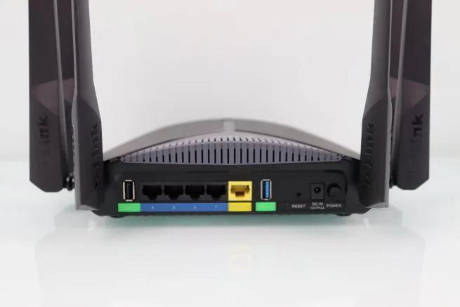 D-Link-3060-EXO-AC3000-Smart-Mesh-bottom